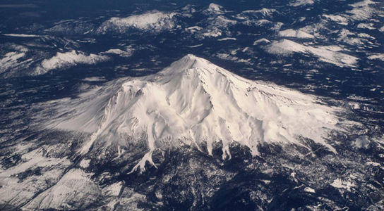 mount-shasta-aerial-view