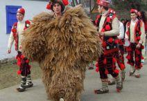 Imagini pentru imagini obiceiuri de iarna stramosesti brasov
