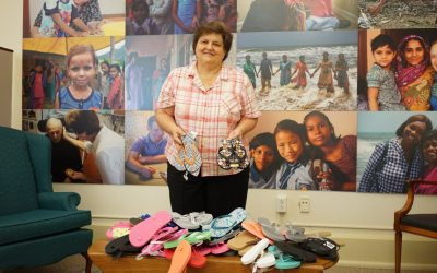Students collect sandals for Belize