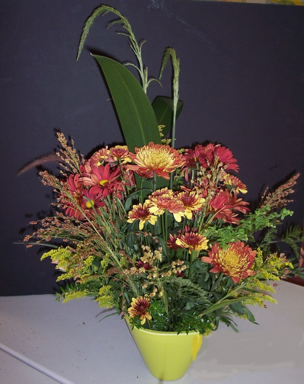 This floral design was made in a Redlands Horticultural and Improvement Society floral design group meeting. (Courtesy Photo)