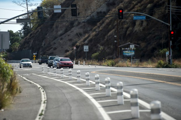 Bike lanes on Foothill Bloulevard near Wentworth Street in Sunland-Tujunga, on Tuesday, Nov. 21, 2017. (Photo by Hans Gutknecht, Los Angeles Daily News/SCNG)