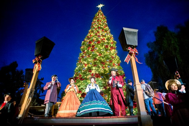 The festively decorated Knott's Merry Farm is open for the holiday season featuring the Christmas Crafts Village, Santa's Christmas Cabin and a wide selection of shows at the Buena Park, Calif. theme park Nov. 17, 2017. (Photo by Leo Jarzomb, SGV Tribune/ SCNG)