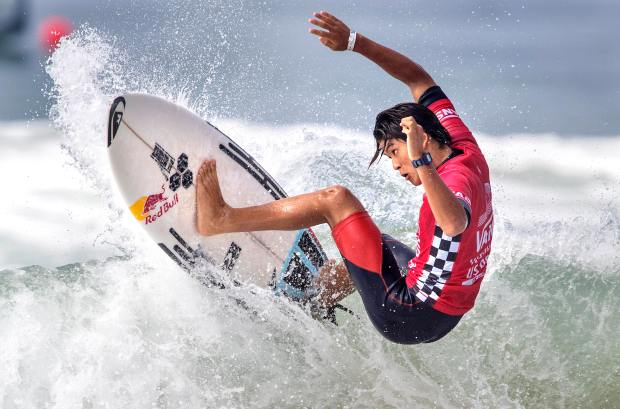 Kanoa Igarashi of Huntington Beach surfs in his heat on Friday, August 4, 2017 at the U.S. Open of Surfing in Huntington Beach. Igarashi finished second and advances in the competition. (Photo by Mark Rightmire, Orange County Register/SCNG)