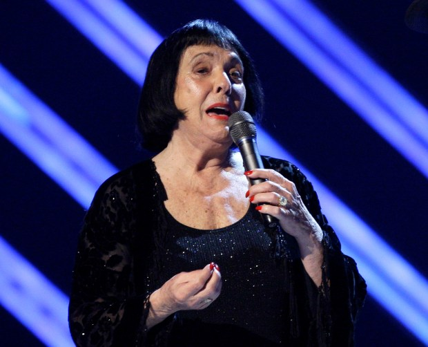 Keely Smith, a pop and jazz singer known for her solo recordings of jazz standards as well as her musical partnership with Louis Prima, died Saturday, Dec. 16, 2017, of apparent heart failure in Palm Springs at the age of 89. (2008 AP photo by Kevork Djansezian)