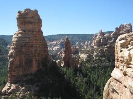 cliff-formation-bears-ears