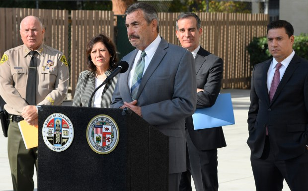 (l-r) Assistnat Sheriff Bobby Denham, LA County Supervisor Hilda L. Solis, LAPD Chief Charlie Beck, along with Mayor Eric Garcetti and LA City Councilman Jose Huizar. The Los Angeles Sheriff's Department, the Los Angeles Police Department, LAC+USC staff, the Violence Intervention Program (VIP), East LA Women's Center, and a number of other community-based organizations celebrated the opening of the new Family Justice Center housed at the LAC+USC Medical Center. Los Angeles, CA 1/011/2018 (Photo by John McCoy, Los Angeles Daily News/SCNG)