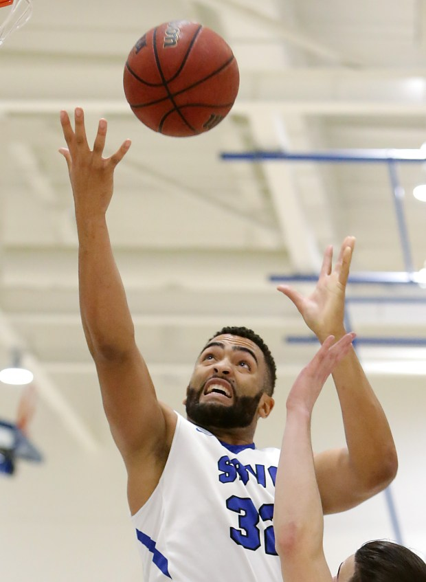 San Bernardino Valley College's Kendall Lauderdale (32) pulls down a rebound against Palomar College in the first half of the game Friday in San Bernardino, CA. January 12, 2018. (TERRY PIERSON,THE PRESS-ENTERPRISE/SCNG)