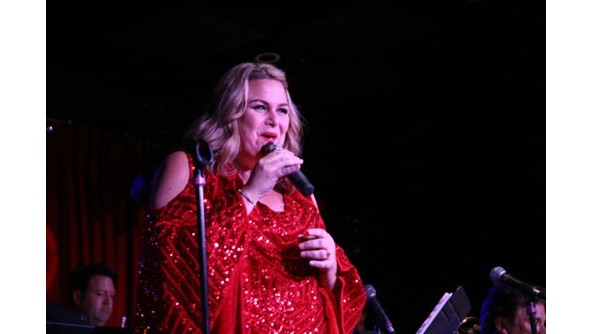 Lisa Donahey performs on March 11 at Upstairs at Vitello's Supper Club in Studio City (Photo courtesy of grapevine pr)