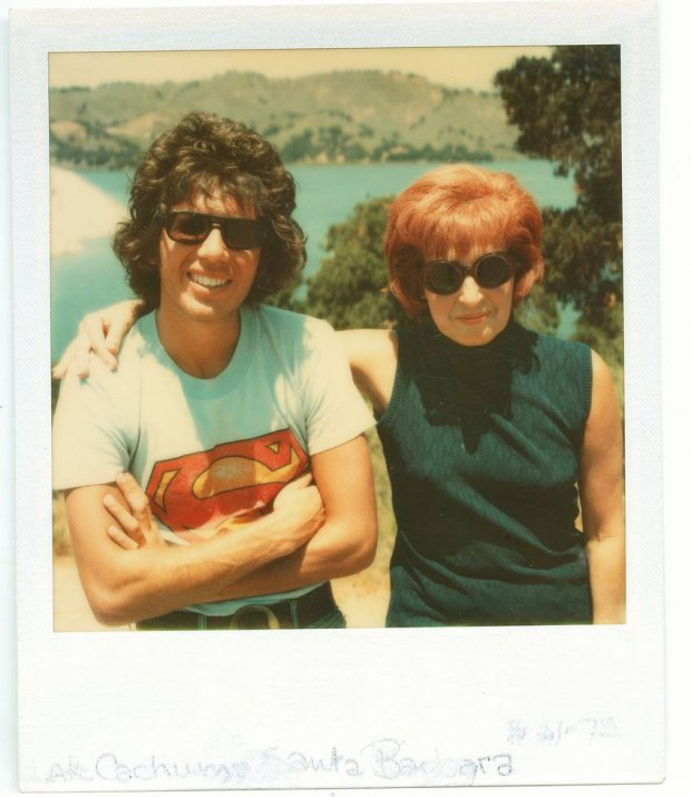 Garry Shandling and his mother, Muriel. (courtesy of HBO)