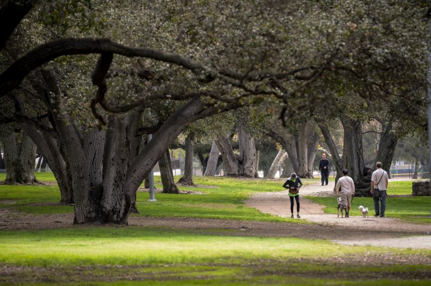 A gloomy Monday made for ideal walking weather at Crescenta Valley Community Regional Park in Glendale early on March 12, 2018. More rain is expected in the area through the week. (Photo by David Crane, Los Angeles Daily News/SCNG)