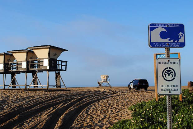 A tsunami signs in Huntington Beach. SCNG FILE PHOTO