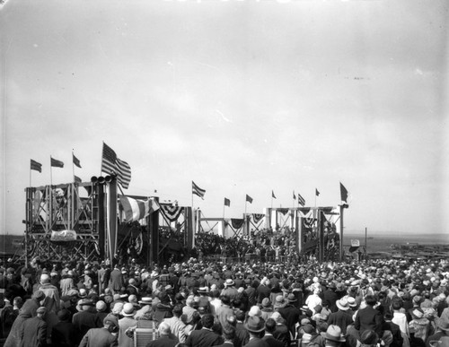 Thousands of spectators watch the groundbreaking ceremony for Loyola's new Westchester campus in 1928. (Courtesy of the Department of Archives and Special Collections, William H. Hannon Library, Loyola Marymount University)