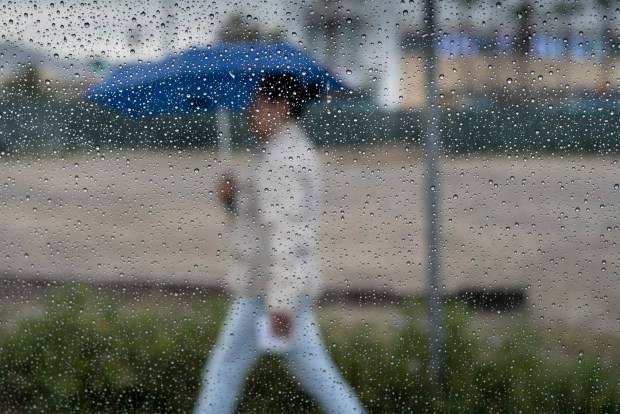 Thursday, April 19, 2018 began with rain in North Hollywood, but the clouds were clearing as the morning wore on. Temperature were expected to remain below normal. (Photo by David Crane, Los Angeles Daily News/SCNG)