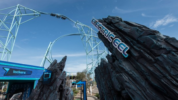 Incidents At Seaworld Parks: Park Life: Knott's Drops Hints About 2020 Ride And