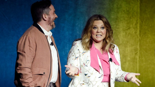 Melissa McCarthy and her husband Ben Falcone at CinemaCon 2018 in Las Vegas. (Photo by Chris Pizzello/Invision/AP)