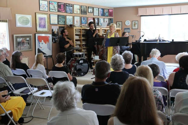 At just-shy-of 96, Annette Warren delights friends, family, students at intimate, moving 'retirement' show
