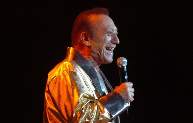 Radio: Pioneering DJ Art Laboe to be honored at broadcasters' luncheon