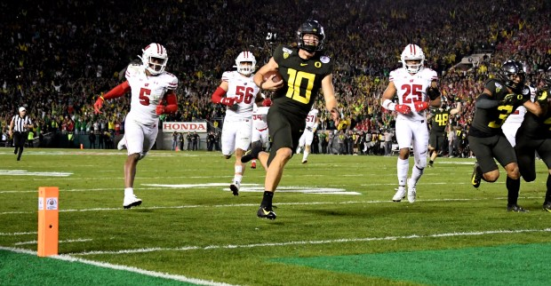 Justin Herbert 'checks all the boxes' to potentially be Chargers' next franchise QB