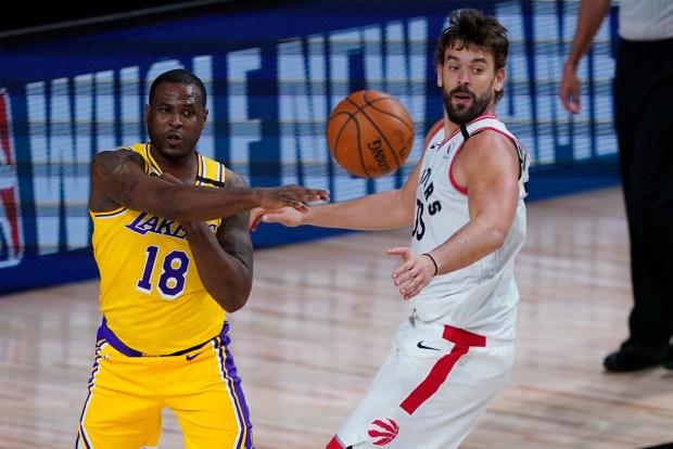 Lakers blend in Dion Waiters as Rajon Rondo's rehab progresses