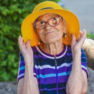 nonna viaggia mondo