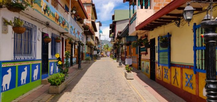 guatapè un villaggio autentico in Colombia vicino Medellin