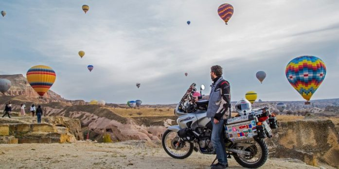 """Viaggio in moto per il Mondo insieme alla mia """"rumorosa"""