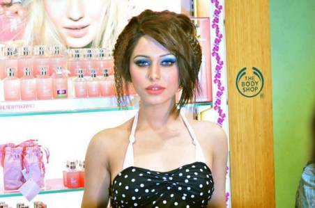 Paki Model Ayyan Ali Hot And Sexy Photos (3)