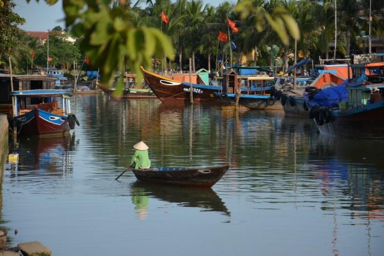 Hoi An long boat Vietnam
