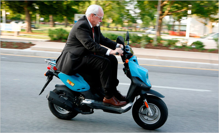 Chicago Alderman Prefers Scooter
