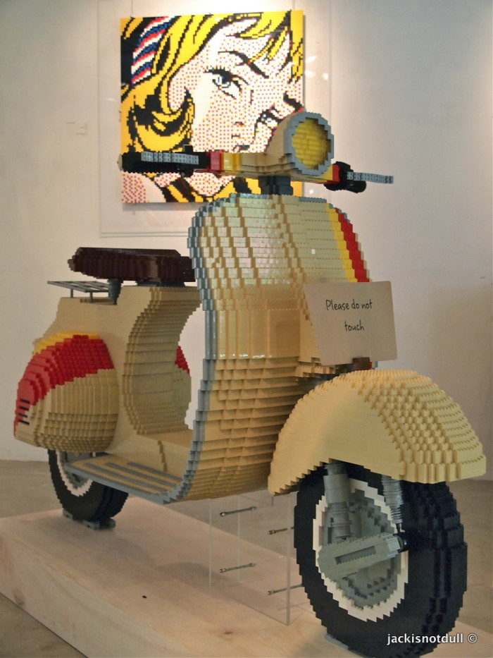 LEGO Vespa by Eugene Tan