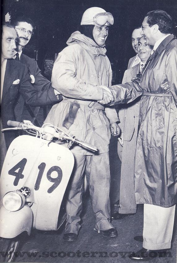 Mauro Nesti in 1953 on a Sei Giorni Vespa.