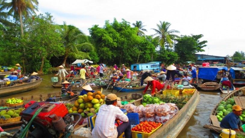5 Impressive Floating Markets In Mekong Delta