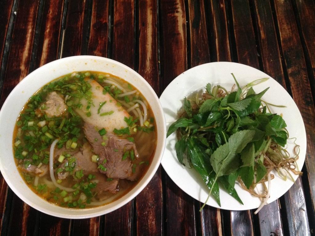 hue-noodle-soup-at-bun-bo-ganh