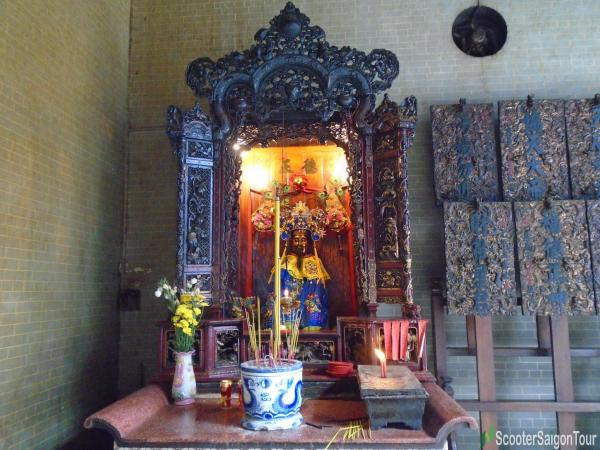 Mon Quan Vuong at Thien Hau Temple Saigon tracy