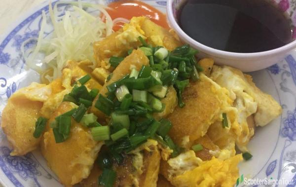 Pan Fried Scrambled Egg Rice Cake Or Bot Chien In Vietnam 2