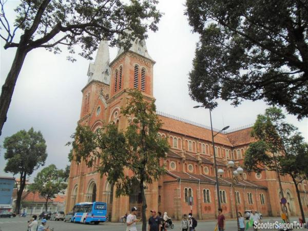 Notre Dame Cathedral In Saigon Tracy 3