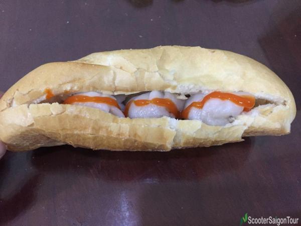 Vietnamese Bread With Wonton