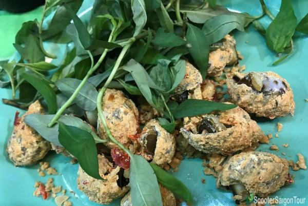 Oc Huong Rang Muoi Ot Or Roasted Sweet Snail With Salt And Chili