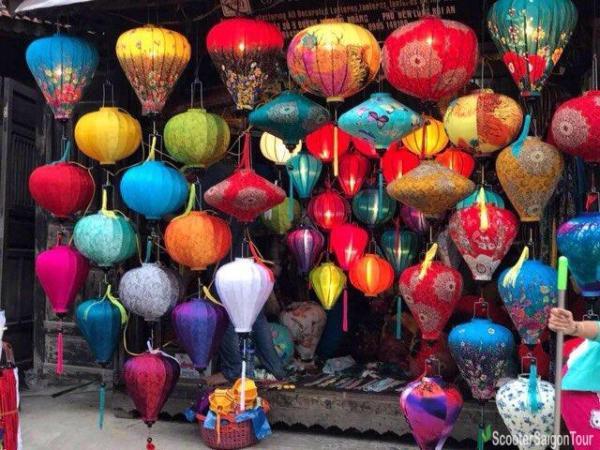 Buying Souvenirs In Hoi An Hoi An Cloth Lanterns