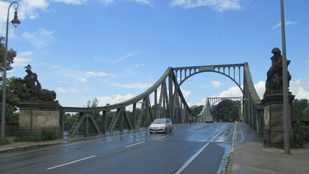 Glienicke Bridge near Berlin was a central element in the difficult communication between East and West during the Cold War. Communicating between R&D and business sometimes seems almost as difficult.