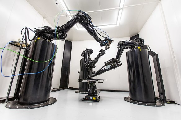 Large format robotic 3D printer that prints metal structures for rockets