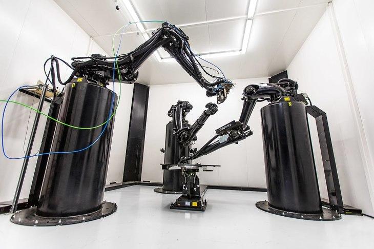 Large format robotic 3D printer that prints metal structures for rockets
