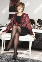 LYNDA BELLINGHAM AT HOME