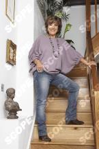 LYNDA BELLINGHAM AT HOME