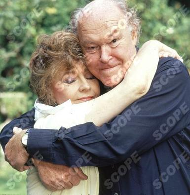 Prunella Scales and husband Timothy WestREF NO : 70579PRMUST C