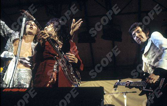 Rod Stewart, Ronnie wood and Ronnie Lane in concert ther last appearance as the 'Faces'