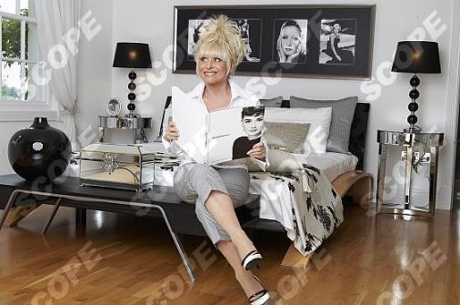 ACTRESS BARBARA WINDSOR AT HOME IN LONDON