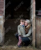 ChildrenÕs author Lottie Prentice with 3 year old son William - 2015 REF NO : 75982 MUST CREDIT : DAVID POOLE / SCOPEFEATURES.COM MUST NOT BE USED WITHOUT PERMISSION - MINIMUM FEES APPLY