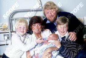 Cilla Black and Family 1980 Husband Bobby, baby Jack, and sons Robert (brown hair) and Ben (Blonde hair) 24251DS Credit David Magnus/Scopefeatures Not To Be used without permission Min Fee's' Apply