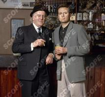 Minder - 1991 George Cole as Arthur Daley and Gary Webster as Ray Daley REF NO : 39226TV MUST CREDIT : TVTIMES/SCOPEFEATURES.COM